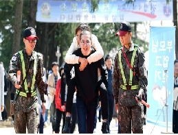 Enlistment like festival: A boot camp filled with 'laughter' 대표 이미지